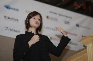 Joanna-Rutkowska-eecue_27016_a1qn_l